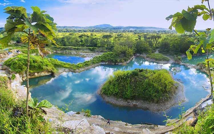 Tempat wisata Instagramable di Jogja - Telaga Biru Semin