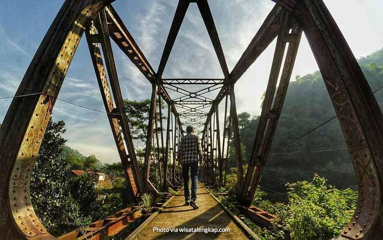Tempat Wisata di Bandung Yang Instagramable - Jembatan Kereta Ciwidey
