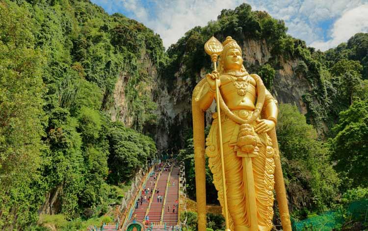 Tempat wisata terbaik dan terpopuler di Malaysia - Batu Caves(Goa Batu)
