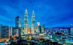 Tempat wisata terbaik dan terpopuler di Malaysia - Menara Kembar Petronas