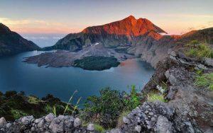 Tempat wisata terbaik di lombok - Gunung Rinjani