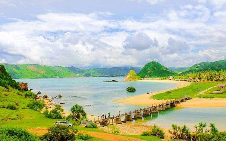 Tempat wisata terbaik di lombok - Pantai Seger Kuta Lombok