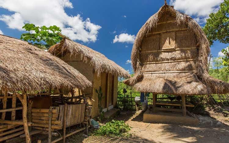 Tempat wisata terbaik di lombok - Rumah Adat Desa Sade