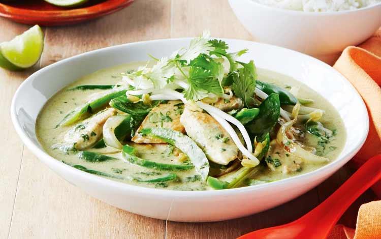Makanan Thailand enak dan lezat di Indonesia - Green Chicken Curry