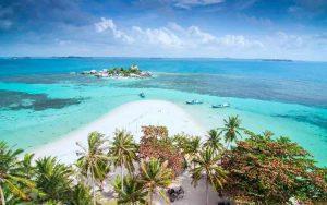 Pantai terindah di Indonesia - Pantai Belitung