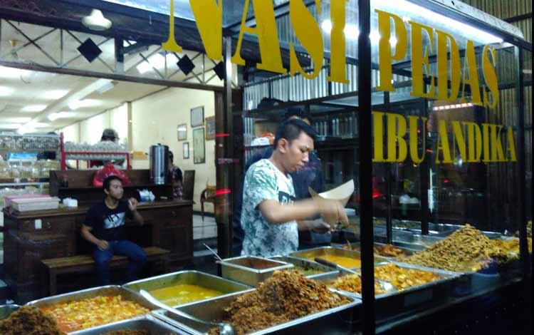 Tempat makan murah di Bali - Nasi pedas Bu Andika