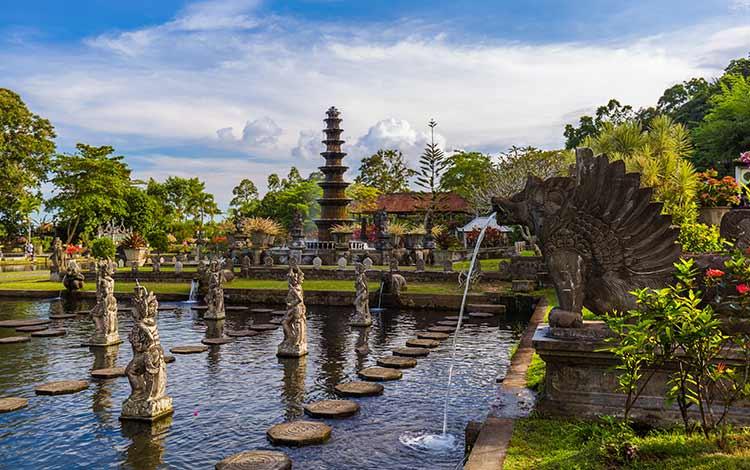 Tempat wisata favorit di Bali - Tirta Gangga