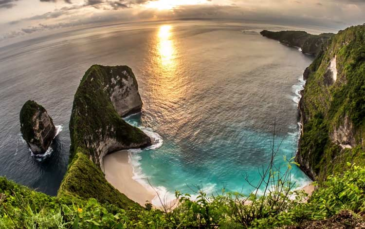 Berburu sunset di Nusa Penida