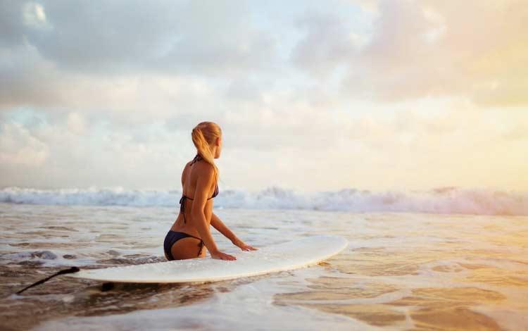 Surfing di Nusa Penida