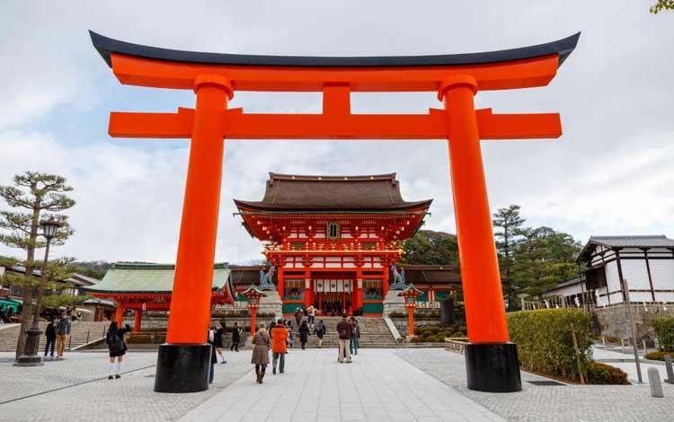 Tempat wisata terbaik di Jepang - Fushimi Inari Taisha
