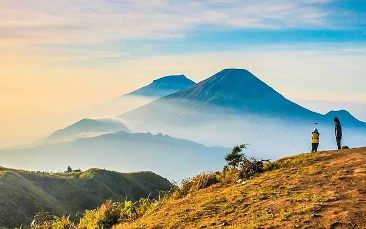 Negeri di atas awan - Gunung Prau, Dieng, Jawa Tengah