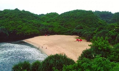 Pantai Terindah di Jogja - pantai sedahan