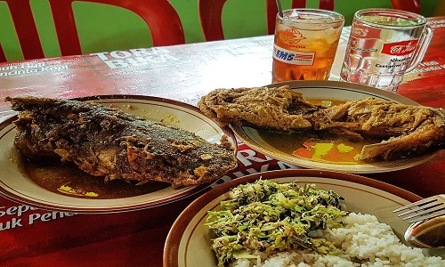 Tempat Wisata Kuliner Magelang - Mangut Beong Borobudur