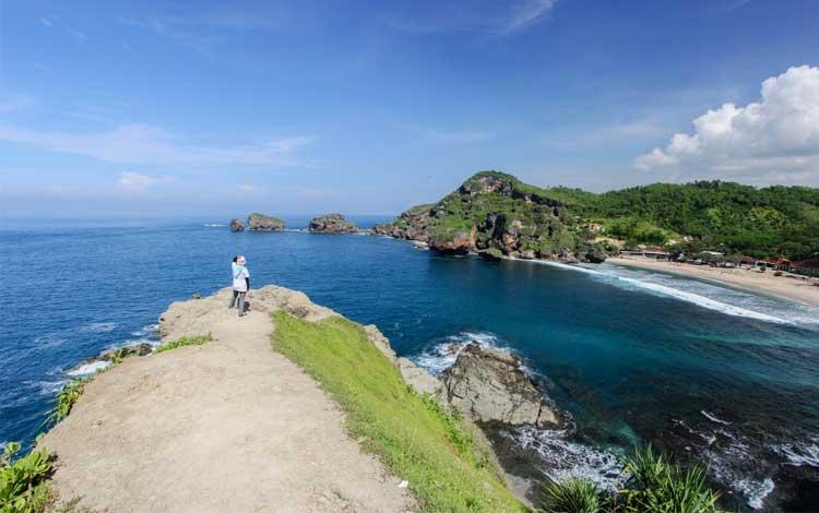 10 Pantai Terindah Di Jogja Dengan Pemandangan Yang Menakjubkan
