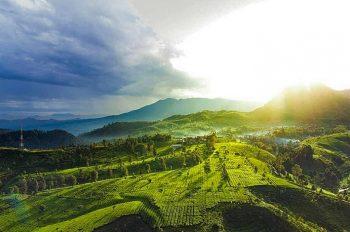 10 Tempat Wisata Pegunungan di Jawa Paling Hits
